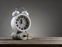 Concepto del negocio de dinero del tiempo Fotografía de archivo libre de regalías