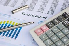 Concepto del negocio: El mercado de acción de la contabilidad financiera representa anal gráficamente Fotografía de archivo libre de regalías