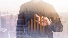 Concepto del negocio las estadísticas del crecimiento y del aumento del ` s de la compañía Un líder acertado Exposición doble Fotografía de archivo libre de regalías