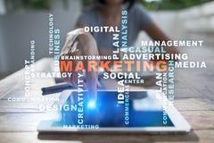 Concepto del negocio del márketing en la pantalla virtual Nube de las palabras Imágenes de archivo libres de regalías
