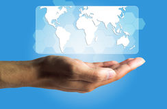 Concepto del negocio y de la tecnología, una producción masculina de la mano el virtual Imagen de archivo