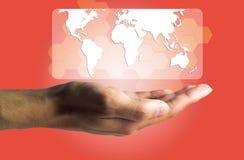 Concepto del negocio y de la tecnología, una producción masculina de la mano el virtual Fotografía de archivo libre de regalías