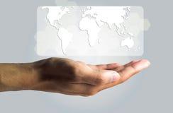 Concepto del negocio y de la tecnología, una producción masculina de la mano el virtual Foto de archivo