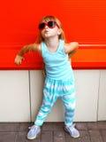 Concepto del niño de la moda - niño elegante de la niña Fotografía de archivo libre de regalías