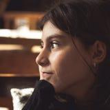 Concepto del ocio de la reflexión de la chica joven Fotografía de archivo