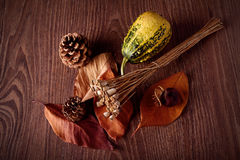 Concepto del otoño en fondo de madera Foto de archivo libre de regalías