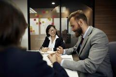 Concepto del planeamiento de la conferencia de la discusión de la reunión de negocios imagen de archivo libre de regalías