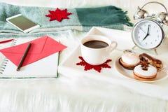 Concepto del planeamiento del Año Nuevo del tiempo de desayuno Imagenes de archivo