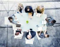 Concepto del puesto de trabajo de la estrategia de la sociedad del planeamiento de la reunión de reflexión Foto de archivo libre de regalías