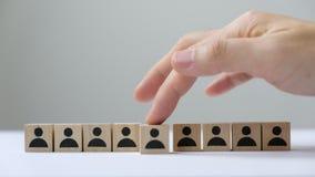 Concepto del reclutamiento que escoge al empleado adecuado