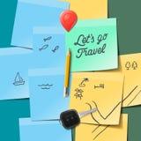 Concepto del recorrido y del turismo Lets va texto del viaje en las notas de post-it, garabatos del viaje, llave, lápiz Imagen de archivo libre de regalías
