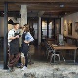 Concepto del restaurante del servicio de la cafetería de los pares fotos de archivo libres de regalías