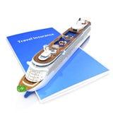 Concepto del seguro del viaje con el barco de cruceros Fotos de archivo