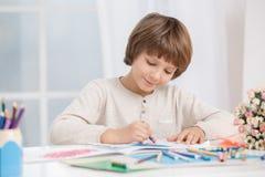 Concepto del talento de la creatividad del dibujo del niño de Little Boy foto de archivo libre de regalías