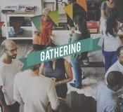 Concepto del trabajo en equipo de la ayuda de la reunión de la reunión fotos de archivo libres de regalías