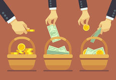 Concepto del vector de la diversificación del negocio No ponga todos sus huevos en una cesta libre illustration
