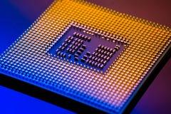 Concepto electrónico de la tecnología ordenador del espolón de la CPU en el li azul Fotos de archivo
