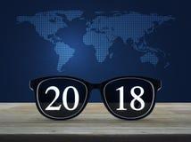 Concepto 2018, elementos de la Feliz Año Nuevo de esta imagen equipados cerca Fotografía de archivo