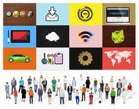 Concepto en línea de Digitaces del medios establecimiento de una red social de la tecnología Imagenes de archivo