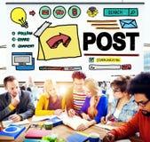 Concepto en línea de la comunicación de la medios parte social del blog de los posts imagen de archivo