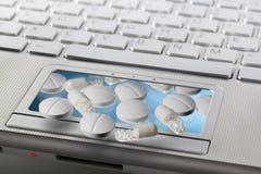 Concepto en línea de la farmacia Fotografía de archivo libre de regalías