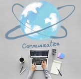 Concepto en línea de la tecnología del establecimiento de una red de la comunicación fotos de archivo