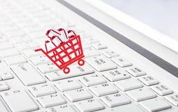 Concepto en línea de las compras Foto de archivo libre de regalías