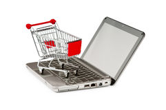 Concepto en línea de las compras del Internet con el ordenador fotos de archivo libres de regalías