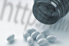 Concepto en línea de las drogas Fotografía de archivo libre de regalías