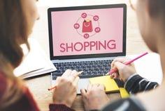 Concepto en línea de las E-compras del comercio electrónico de Shopaholics que hace compras imagen de archivo libre de regalías