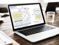 Concepto en línea del contenido de la tecnología del diseño web Imagen de archivo libre de regalías