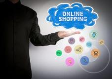 Concepto en línea del negocio de las compras Iconos de la nube y del software de aplicación Foto de archivo