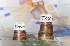 Concepto financiero sobre altos impuestos Imagen de archivo libre de regalías