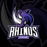Concepto furioso del logotipo del vector del deporte del rinoceronte en fondo oscuro Imagen de archivo