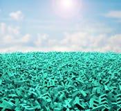 Concepto grande de los datos, caracteres verdes enormes, nubes del cielo de la luz del sol imagen de archivo libre de regalías