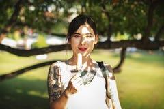 Concepto hermoso elegante de moda femenino asiático Fotos de archivo libres de regalías