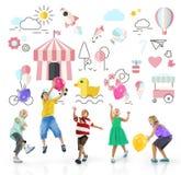 Concepto inocente de los jóvenes de la diversión de los niños de los niños Imágenes de archivo libres de regalías
