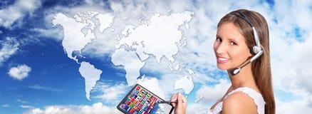 Concepto internacional global de las comunicaciones del operador de centro de atención telefónica Imágenes de archivo libres de regalías