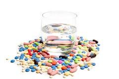 Concepto médico creado por las píldoras. Imagen de archivo