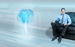 Concepto mandón del hombre de negocios en el futuro Foto de archivo