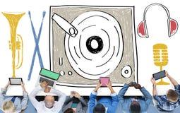 Concepto multi del entretenimiento de la placa giratoria de la música medios Fotos de archivo libres de regalías