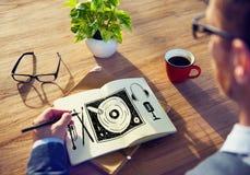 Concepto multi del entretenimiento de la placa giratoria de la música medios Imagen de archivo libre de regalías