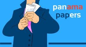Concepto privado del traje del documento de la piel del hombre de negocios de los papeles de Panamá a poca distancia de la costa Imágenes de archivo libres de regalías
