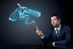 Concepto que fuma del hombre de negocios Fotos de archivo libres de regalías