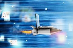 Concepto rápido de Internet con un ordenador portátil sobre un cohete libre illustration