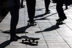 Concepto recreativo de la actividad del deporte del monopatín del parque extremo del patinador foto de archivo libre de regalías