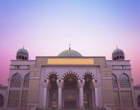 Concepto religioso del día del mundo: Mezquita hermosa imagen de archivo libre de regalías