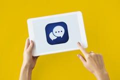 Concepto social de la burbuja del discurso de la red de la charla foto de archivo