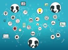 Concepto social de la conexión de red de los media Los perfiles de la gente en una red social y medios en mapa del mundo abstract Imagenes de archivo