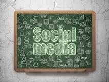 Concepto social de la red: Medios sociales en fondo del consejo escolar libre illustration